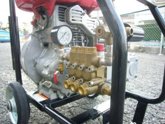 新ダイワ エンジン高圧洗浄機