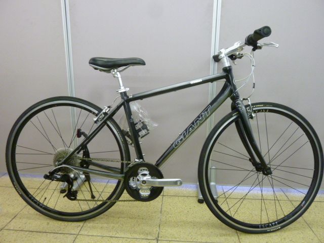 GIANTのクロスバイク(ESCAPE R3 ...