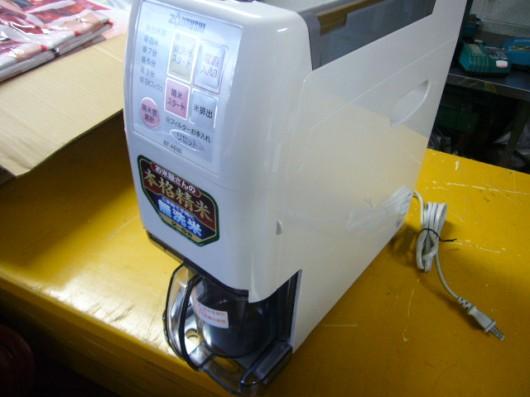 お米屋さんのような本格精米できる??象印の無洗米精米機が入荷しました。
