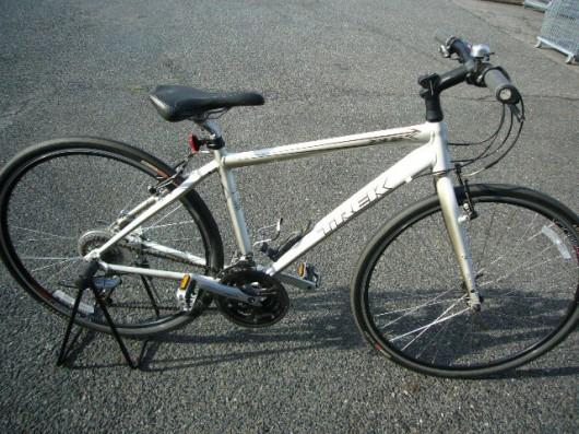 クロスバイク TREK