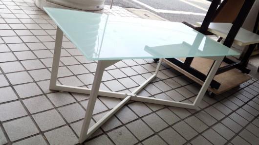 シャレオツ★な、ガラステーブル。