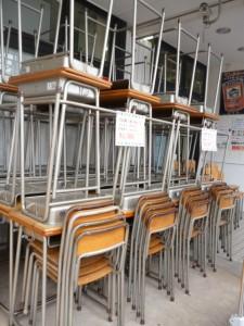 学校机・椅子、大量入荷!!