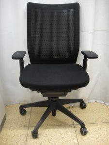 快適な仕事は椅子から!オカムラ ヴィスコンテ