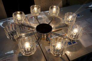 オーデリック社製のシャンデリア照明☆彡 上品な灯りです♪