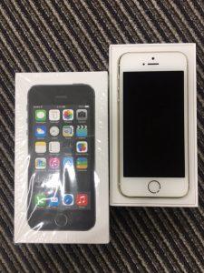 iPhone5S 入荷しましたー(^^♪