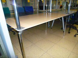 内田洋行製 ミーティングテーブル MRシリーズ 入荷しました。